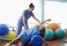 Các bài tập trị liệu hồi phục tay và cánh tay cho người bị đột quỵ-1